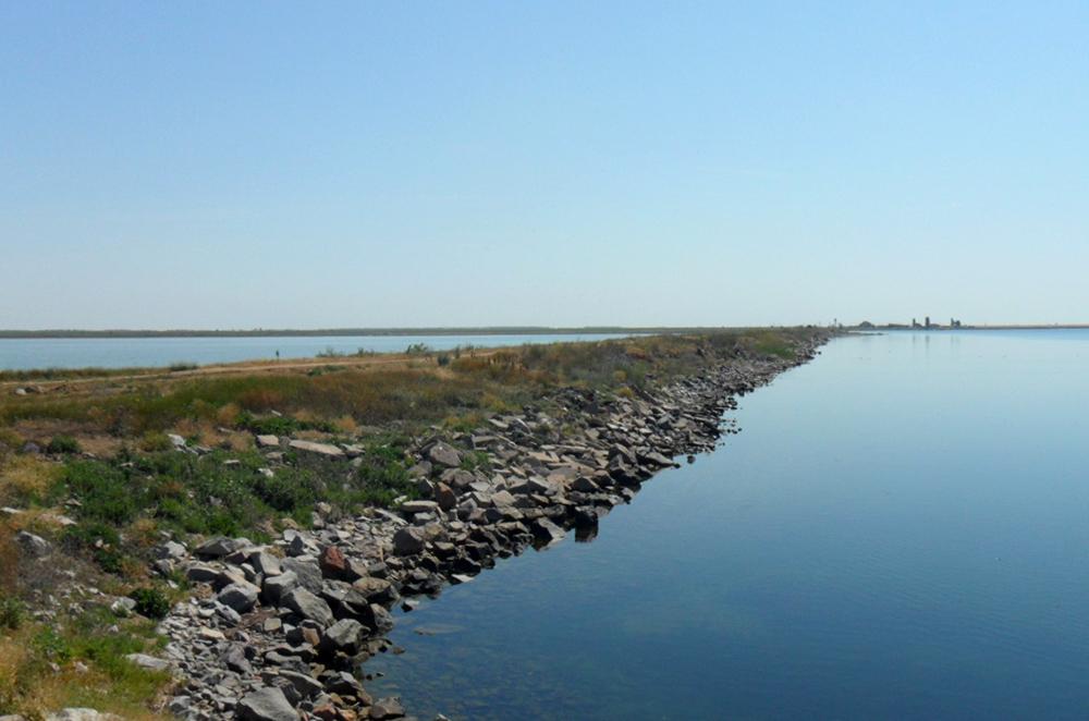 Вода ставка-випаровувача і моря